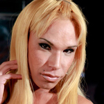 Danielly bionda  kinky blonde that loves to be fisted. Kinky blonde that loves to be fisted